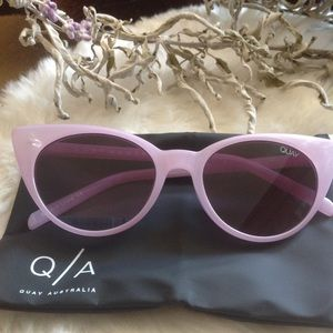 NEW! Quay lilac In Control sunnies